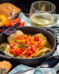 Roasted green peppers with tomato sauce