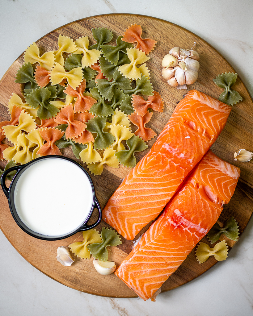 salmon farfalle cream
