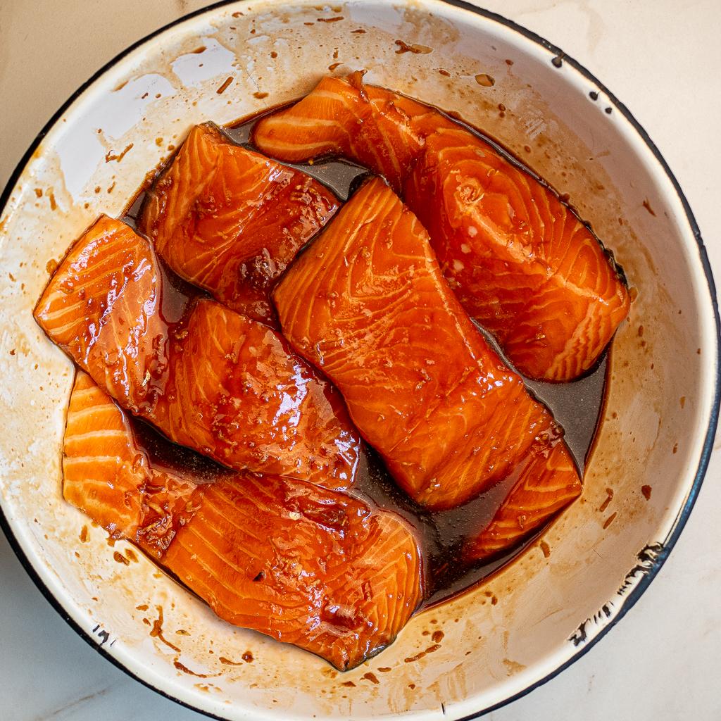 salmon in teriyaki marinde