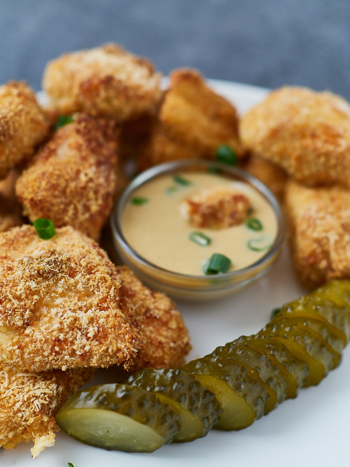 nuggets with honey mustard sauce