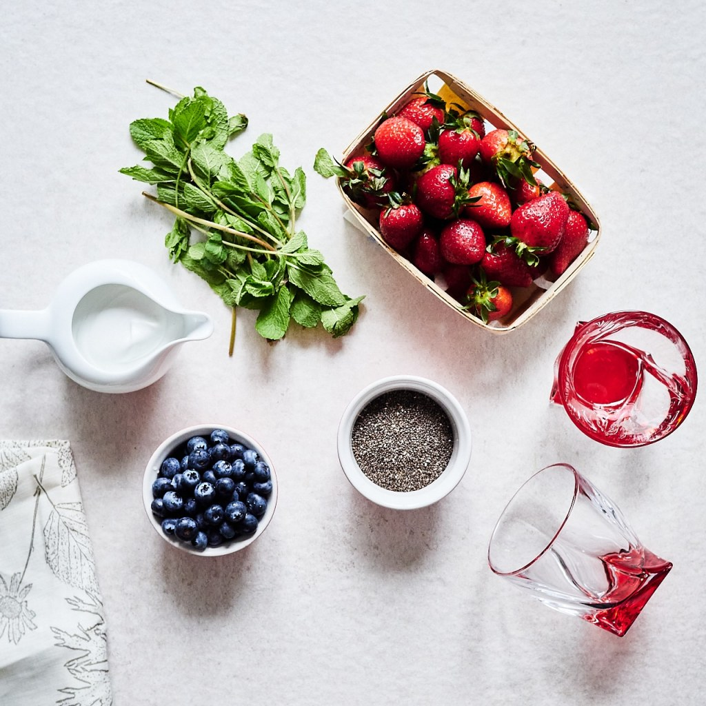 Keto Chia Pudding With Strawberries