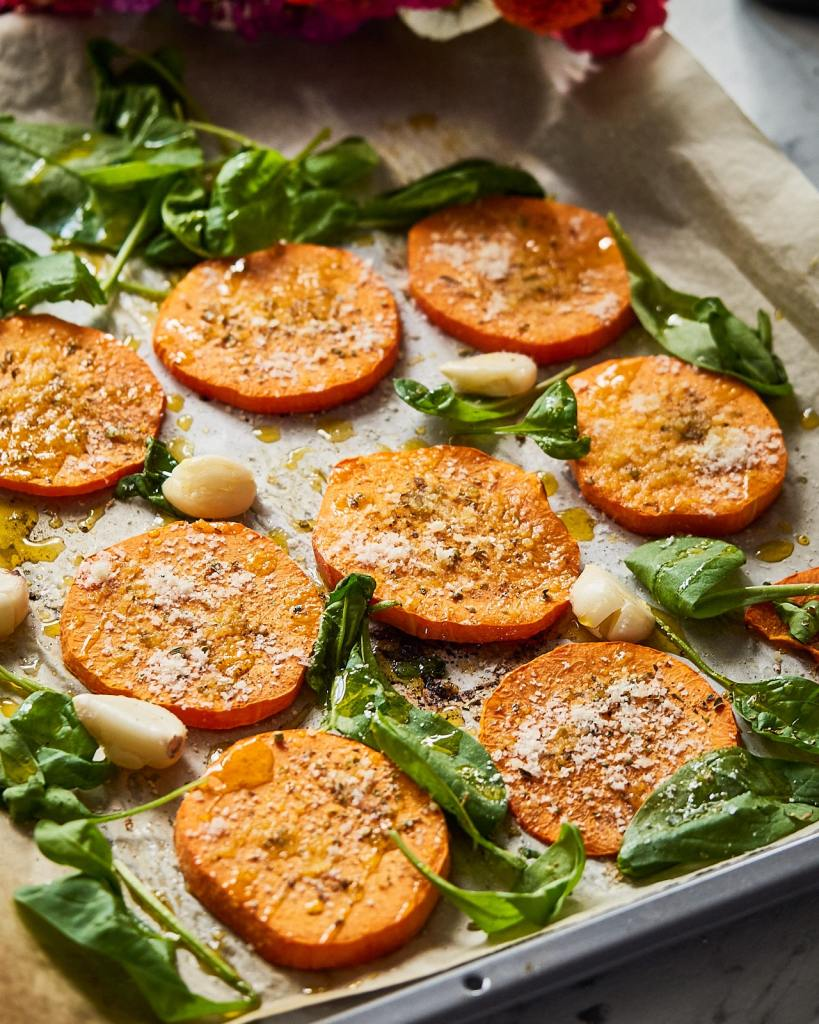 Baked butternut squash with olive oil and seasoning