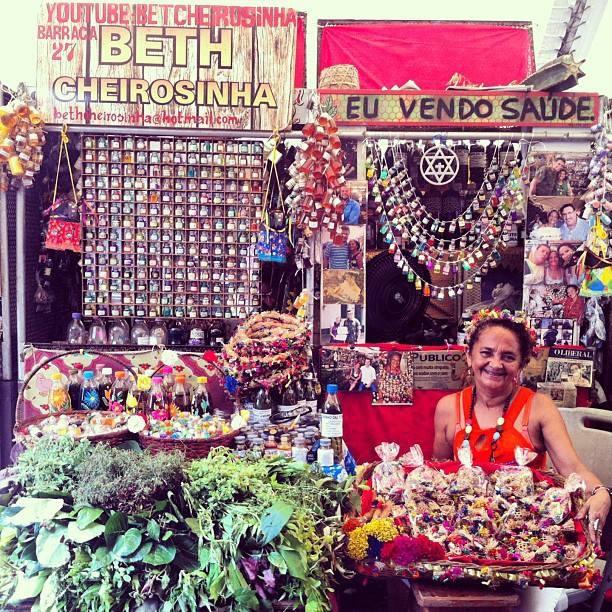"""Beth Cheirosinha e o """"atrativo do amor"""""""