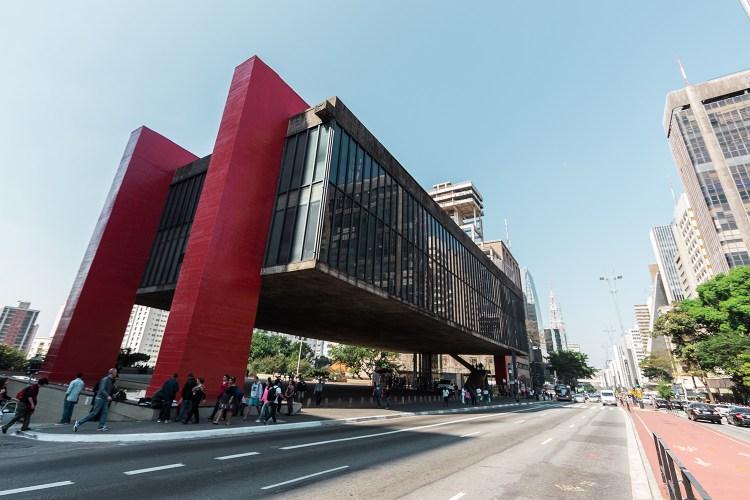 Avenida Paulista e Masp em Sao Paulo
