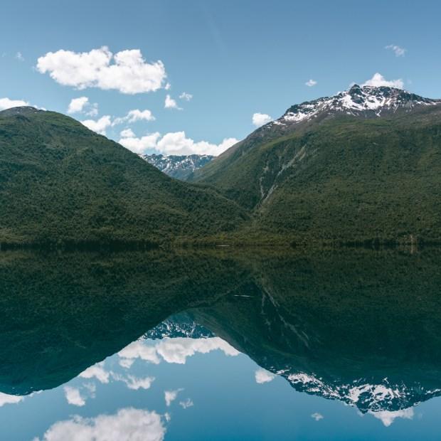 A bela trilha pelos lagos de Llanada Grande
