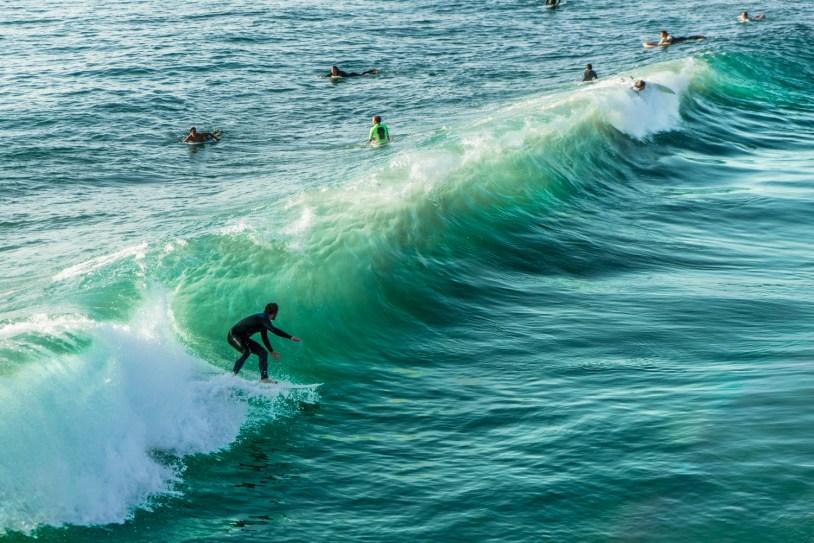 Surfistas em Pacific Beach, em foto do Paulo del Valle