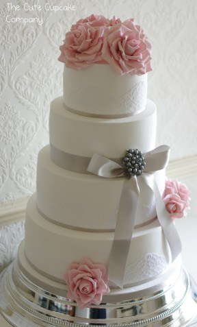 Fonte: Pearls & Lace Cakes