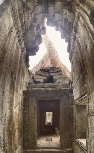 Temple perspective Ta Prohm - Angkor Cambodia - Delicieuse Vie