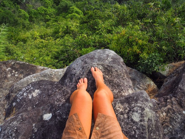Temple and Feet, Cambodge, Kampot by Délicieuse Vie