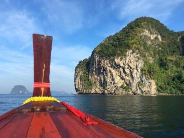 Long Tail Boat et rocher escale, Thailand, Délicieuse Vie