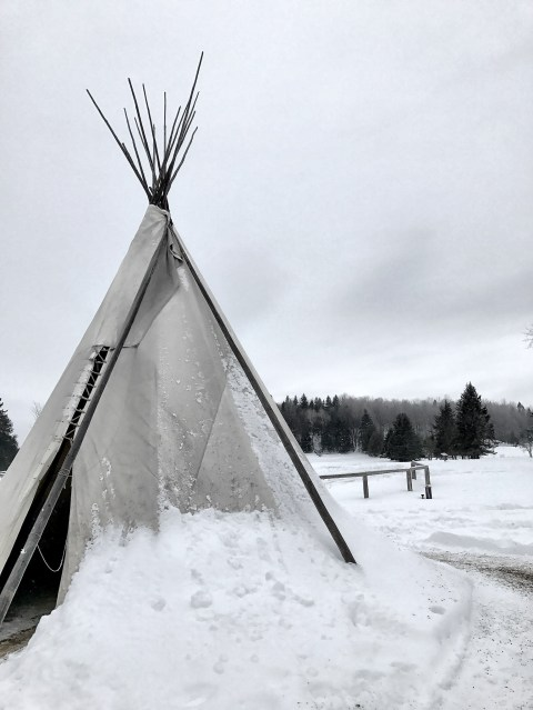 Tipis - parc Omega - snow ©delicieusevie