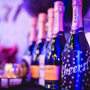 Bubbly bar, Prosecco bar, Champagne bar