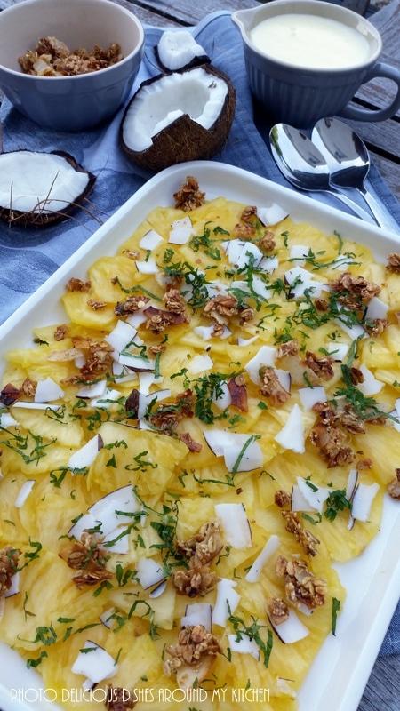Zum Brunch am Wochenende…Ananas- Carpaccio mit Kokoschips- Amaranth- Crunch