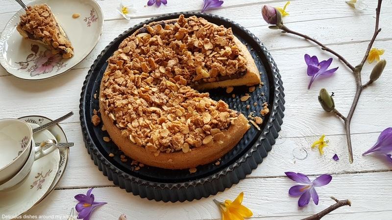 Ein gefüllter Mandelkuchen- herrlich wattig zart und knusprig