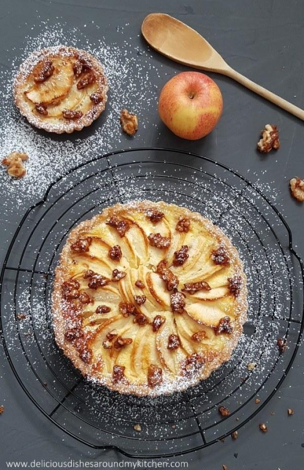 Apfel- Tarte mit karamellisierten Walnüssen