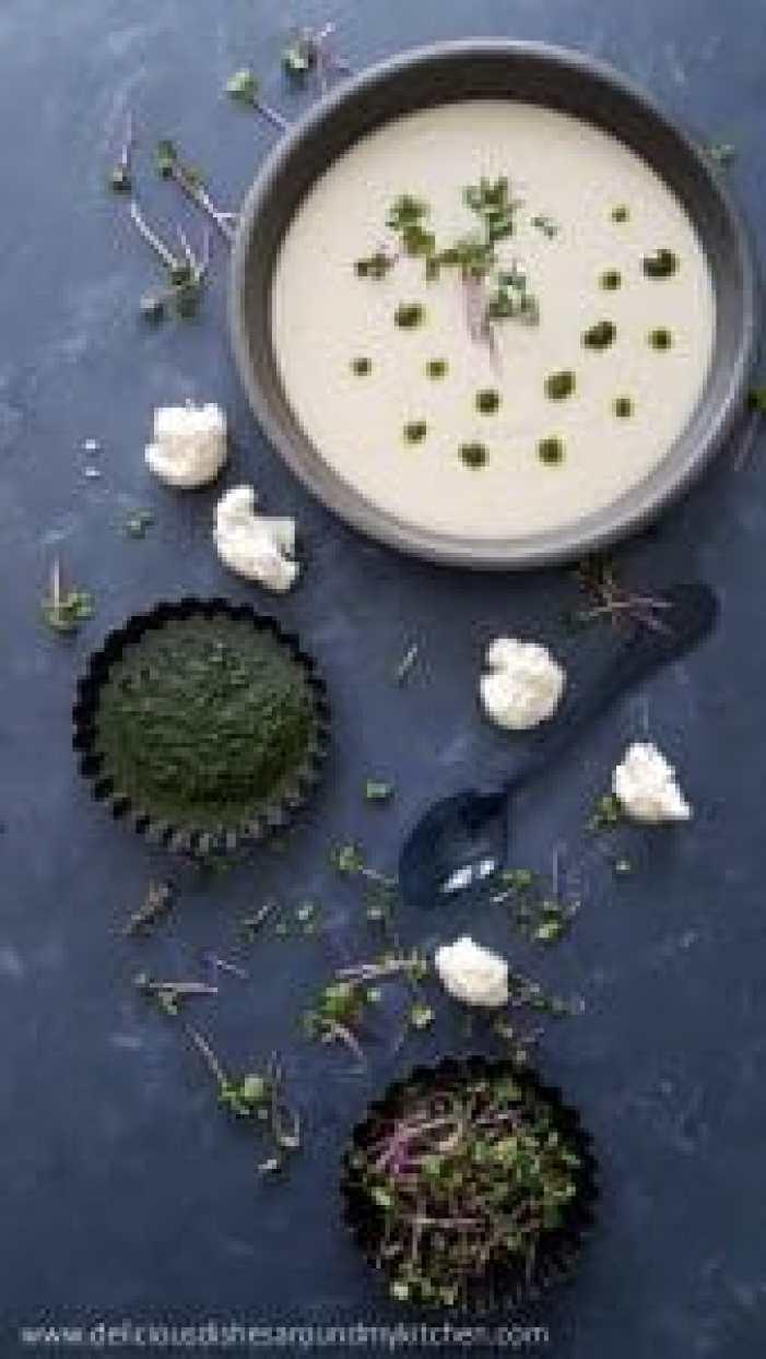 Blumenkohl- Kokossuppe mit Korianderöl