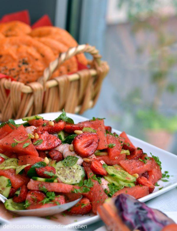 Erdbeer- Wassermelonensalat mit Garnelen