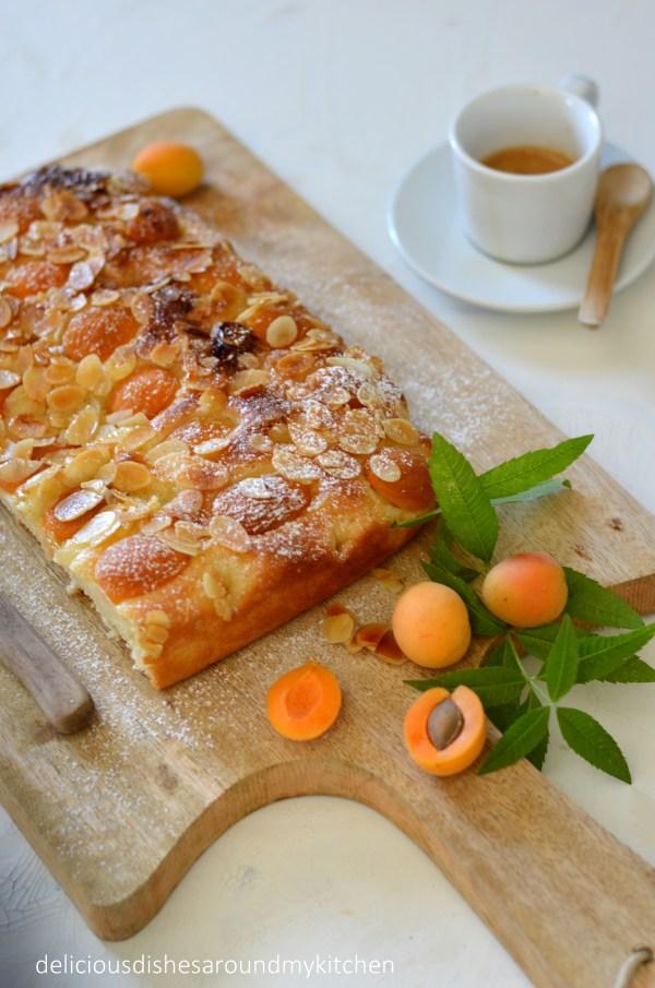 Vanille- Butterkuchen mit Aprikosen