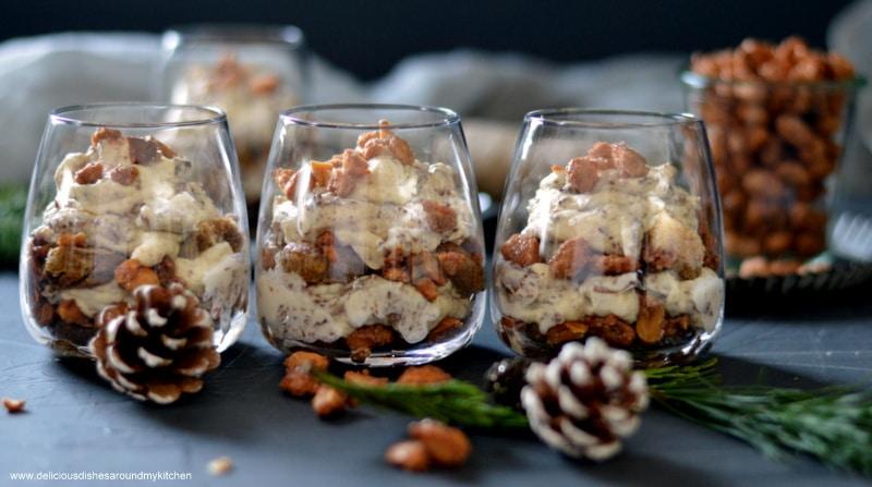 Winterliches Tiramisu mit gebrannten Erdnüssen
