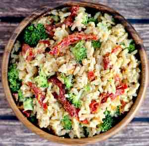 Creamy Rice with Sun-dried Tomatoes and Broccoli