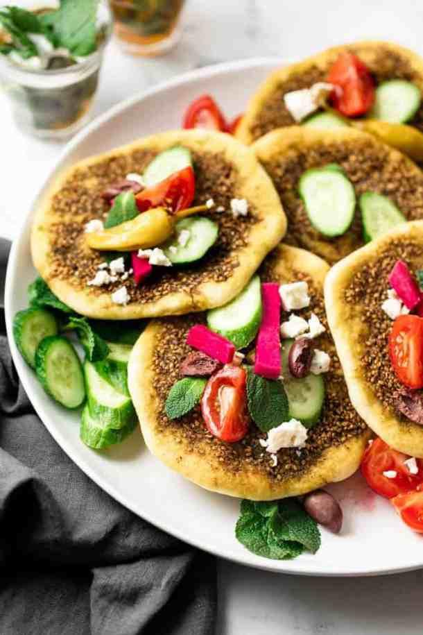 za'atar Manakish topped with vegatables