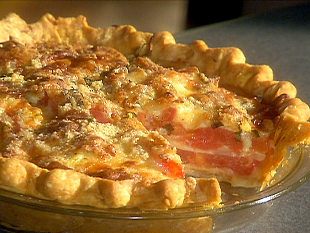 EE-1020Cheesey Vidalia Onion and Tomato Pie