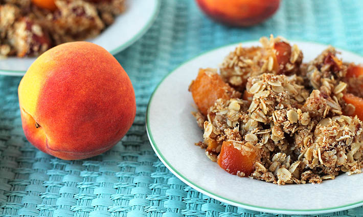 Vegan Peach Ginger Crisp