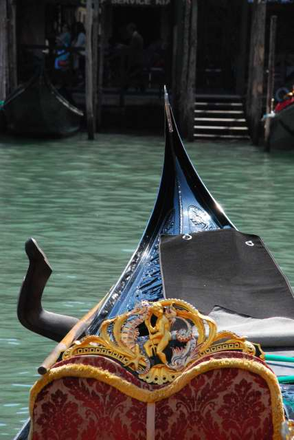 Top things to do in Venice - get around in Gondola