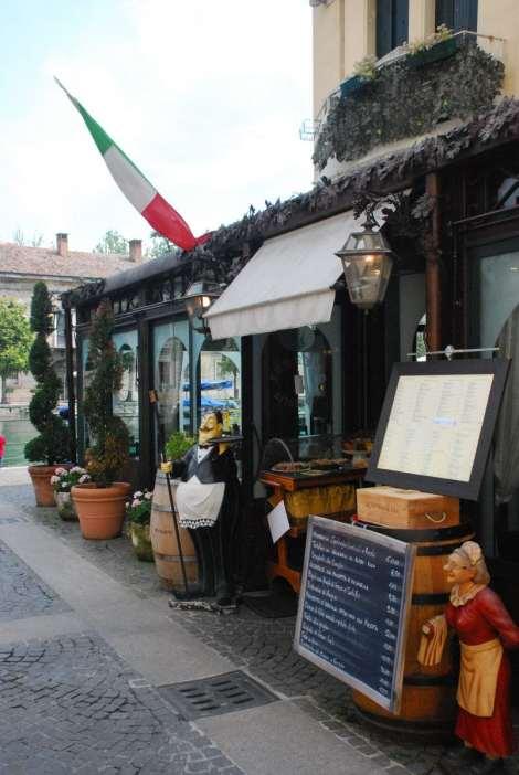 Garda Lake - Peschiera - nice restaurant