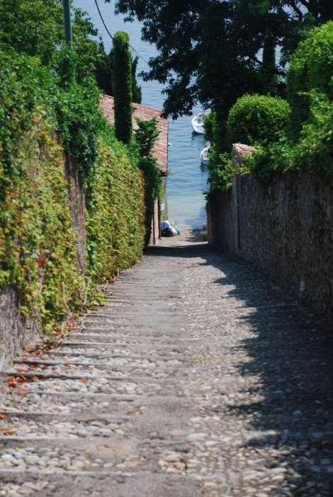 Bellagio_Pescallo stairway