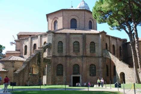 Visit Ravenna_San Vitale_rear