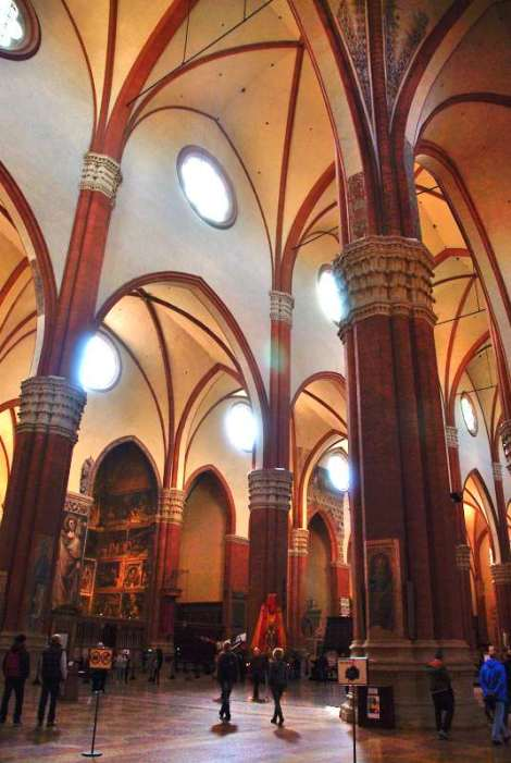 Visit Bologna_San Petronio_Inside