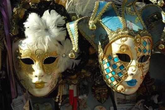 www.deligtfullyitaly.com_Venice-Carnival_1