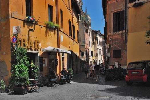 www.delightfullyitaly_Rome-Walk in Trastevere 15
