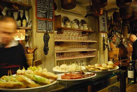 Top things to do in Venice - have an aperitivo the way locals do