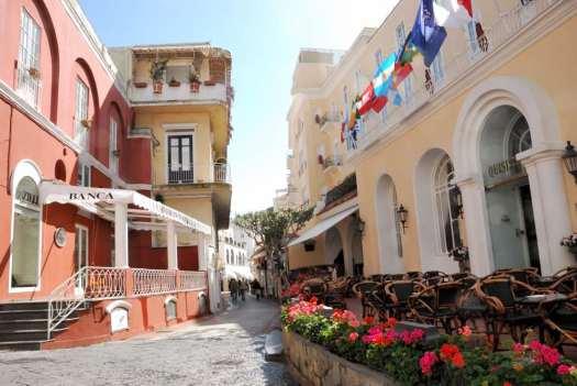 Capri walking itinerary - Capri hotel Quisisana