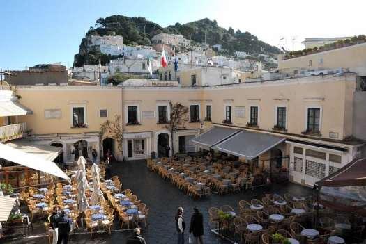 www.delightfullyitaly.com-Capri_Faraglioni walking tour_2