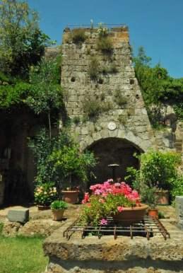 Civita Bagnoreggio_the dying city_030
