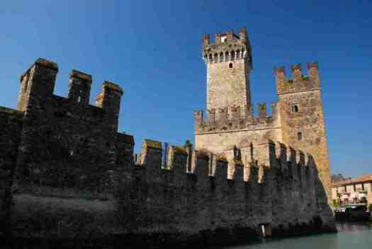 Garda lake in 1 day - Sirmione Castle