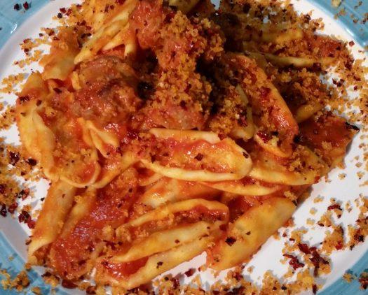 Italian pasta dishes - Strascinati con Mollica e peperoni cruschi