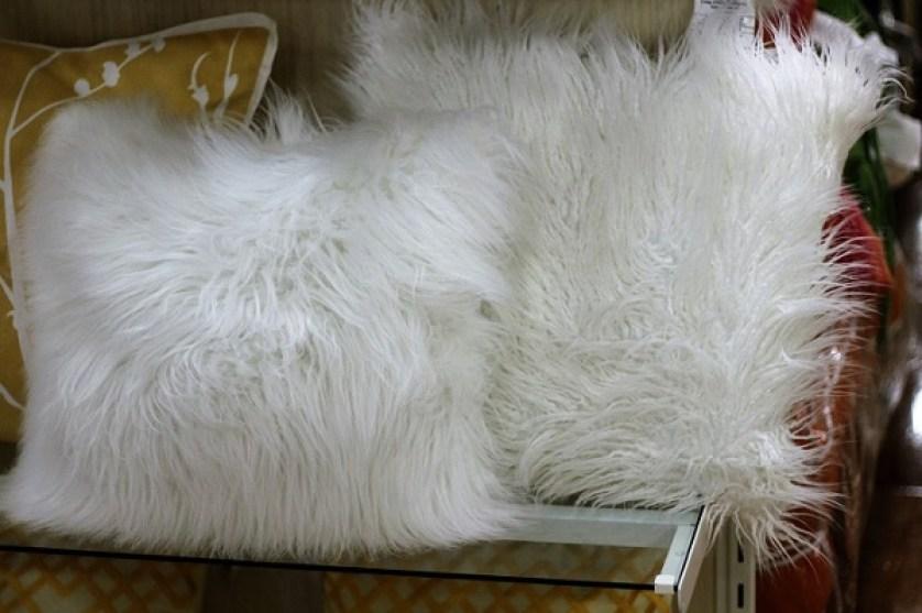fluffy-pillows
