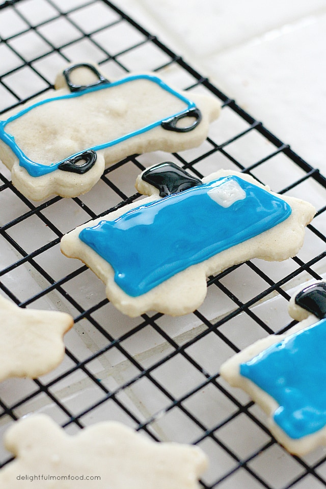 Healthy Holiday Cut-Out Sugar Cookies With Easy Icing