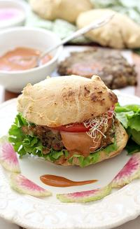Juicy mouthwatering Veggie Burger made of cooked lentils and zucchini. A flavorful meat-like texture and gluten free patty! | Delightful Mom Food