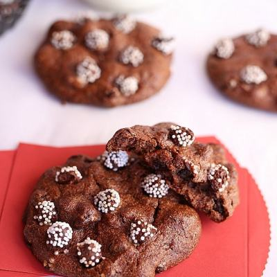 Hazelnut Flourless Chocolate Cookies