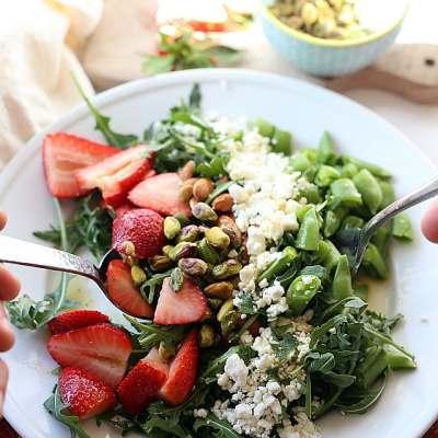 Arugula Salad With Strawberries and Feta in Orange Poppy Seed Dressing
