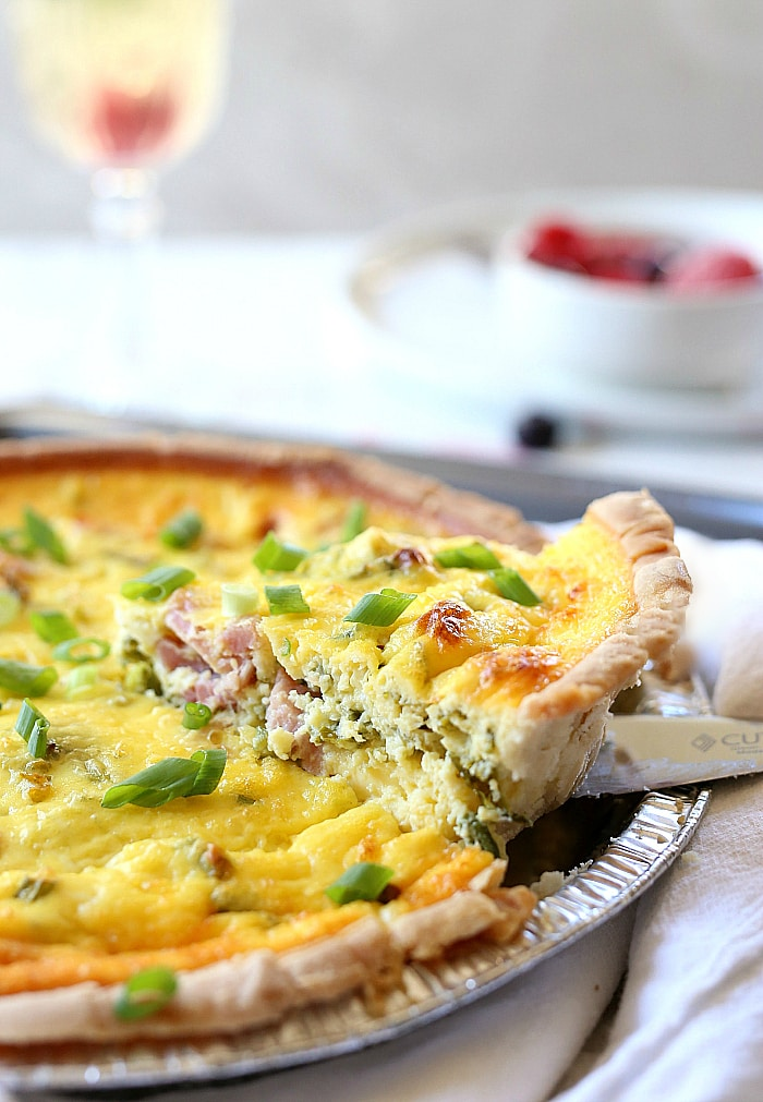 Quick pie with cabbage on kefir: chopped, poured - ready 95