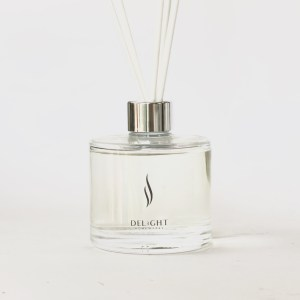 Clear Reed Diffuser with Silver Collar & white reeds