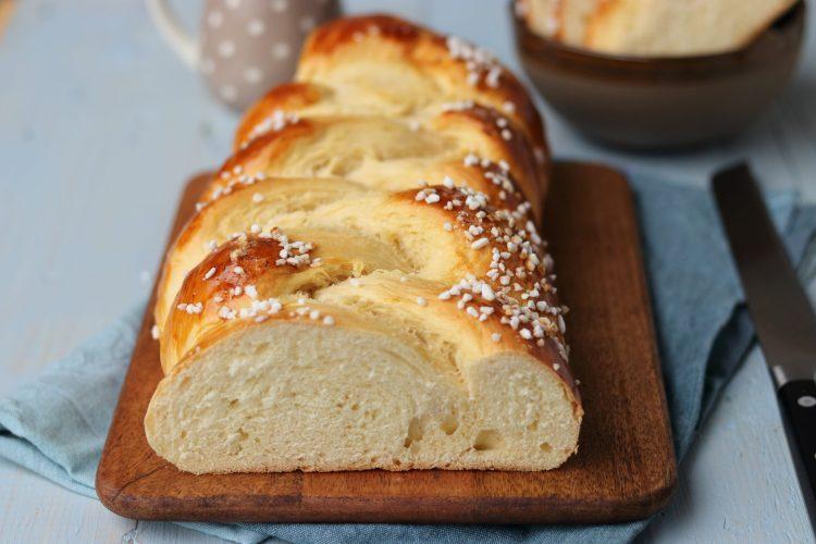 Dinkel Butter Hefezopf