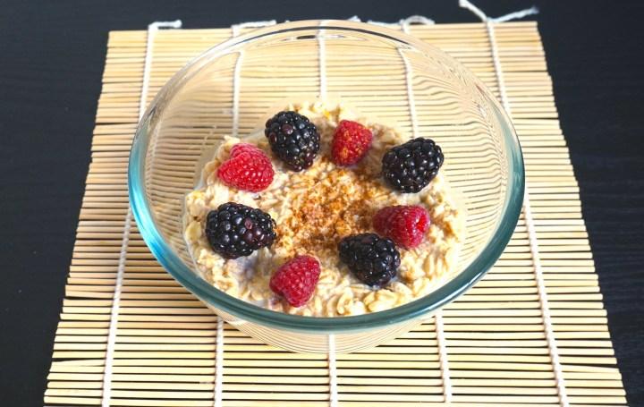 Receta: avena con frutos rojos para el desayuno