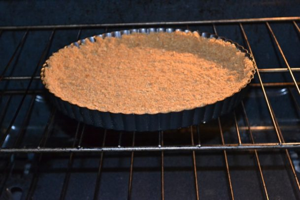 Pumpkin Tart with a Graham Cracker Crust | Delish D'Lites